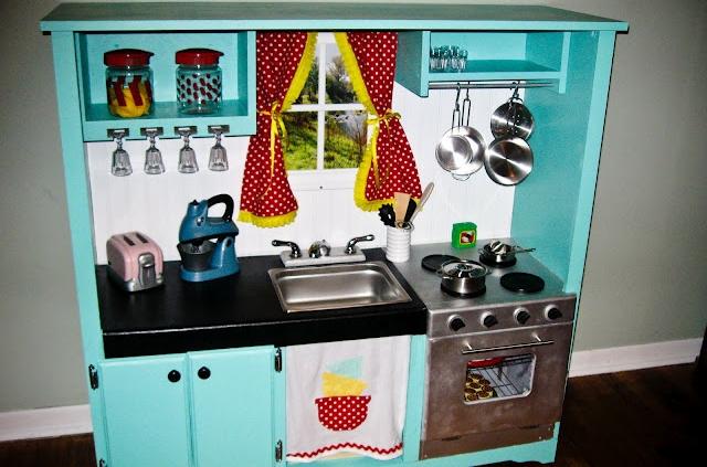 Craigslist Entertainment Center - 10 Fantastic DIY Play Kitchens…