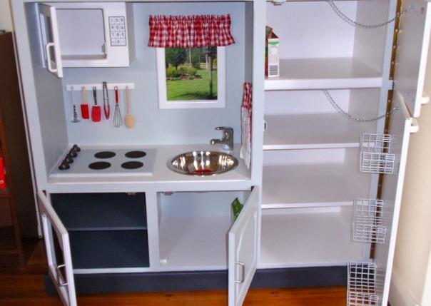 10 Fantastic Diy Play Kitchens