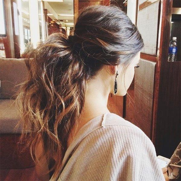 hair,hairstyle,brown hair,long hair,hair coloring,