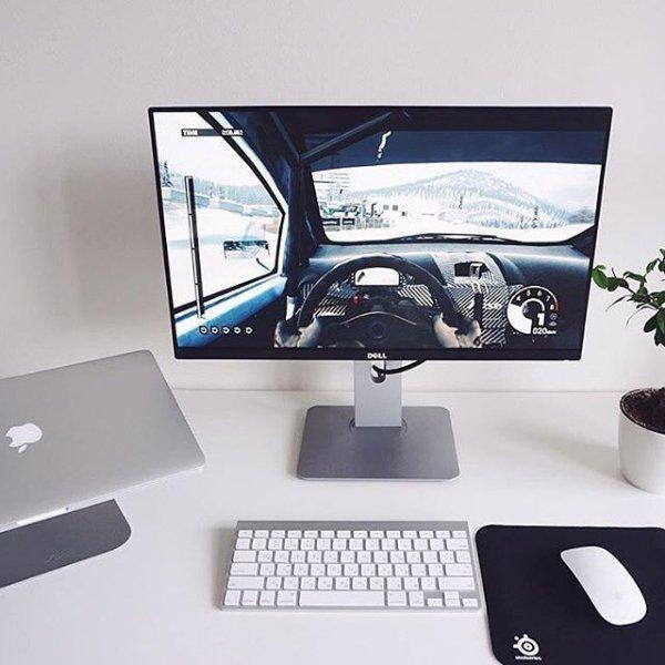 computer monitor, display device, desktop computer, computer hardware, personal computer,