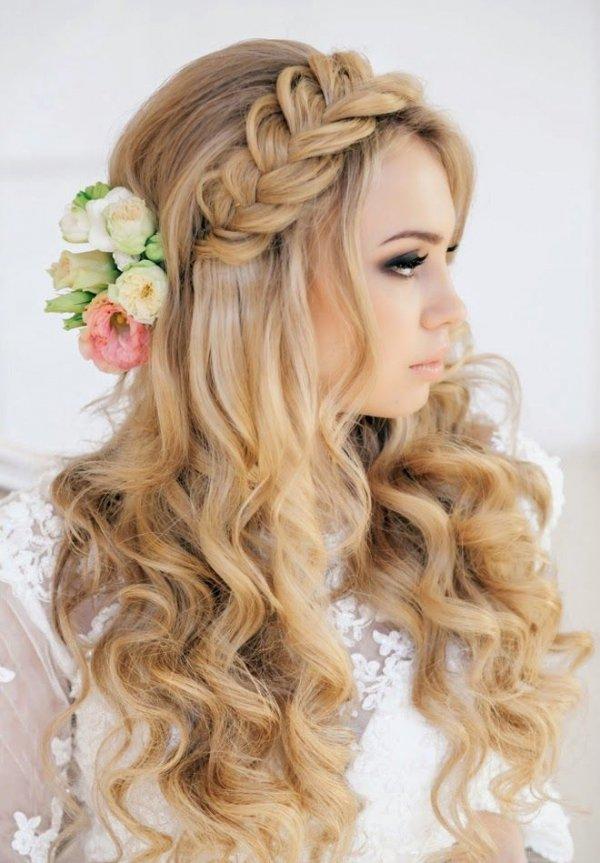 hair,hairstyle,blond,bridal accessory,long hair,