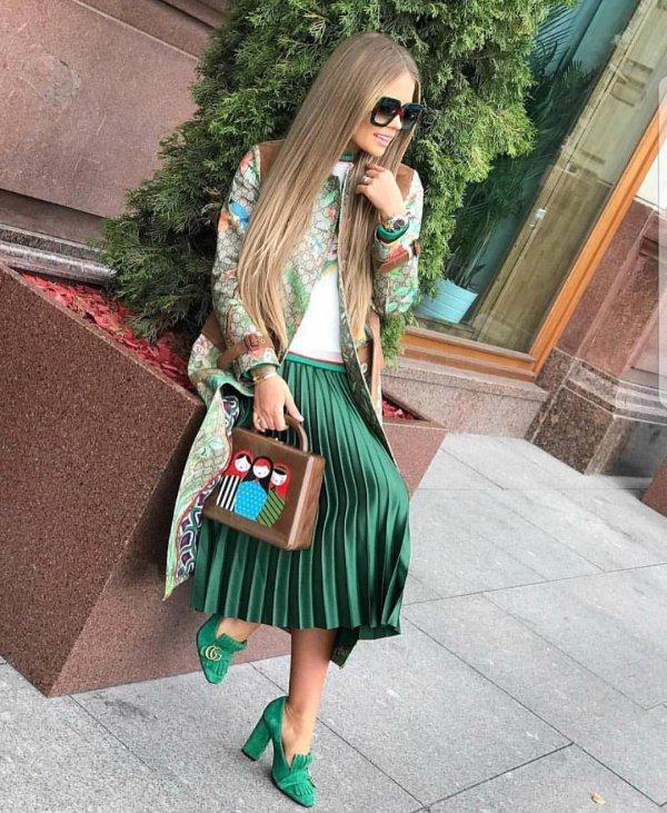 clothing, fashion, fashion model, shoulder, socialite,