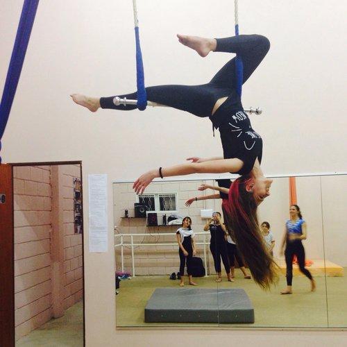 acrobatics,sports,floor gymnastics,gymnastics,art,
