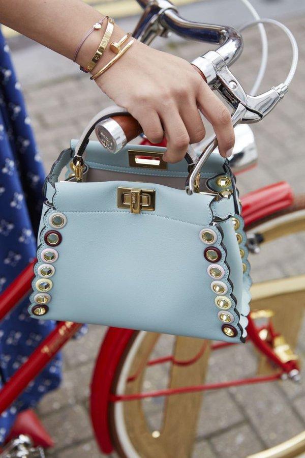 Street fashion, Fashion accessory, Handbag, Bag, Fashion,