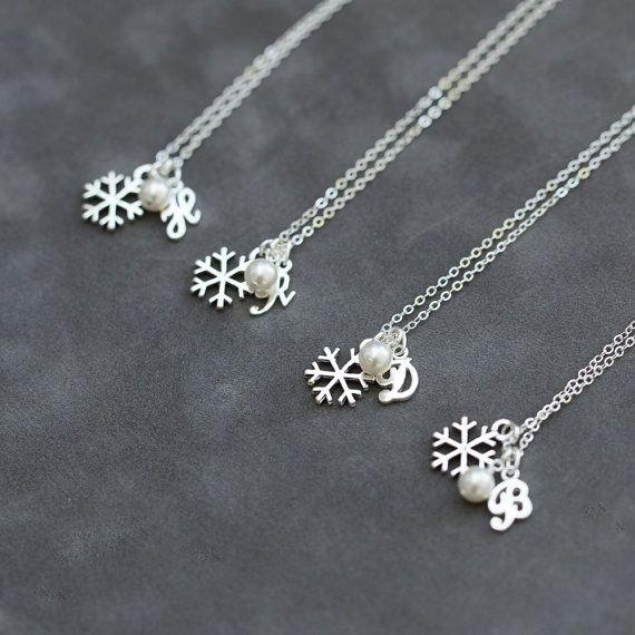 jewellery,necklace,fashion accessory,chain,silver,