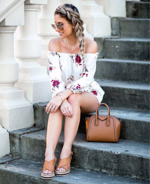 clothing,leg,footwear,fashion,long hair,