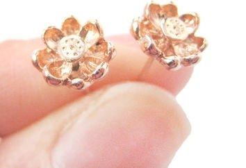 3D Floral Flower Shaped Stud Earrings in Rose Gold