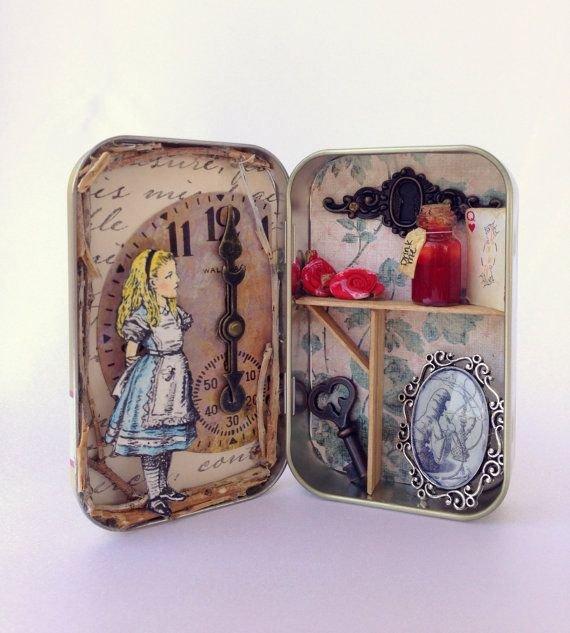 Alice in Wonderland Altered Altoid Tin