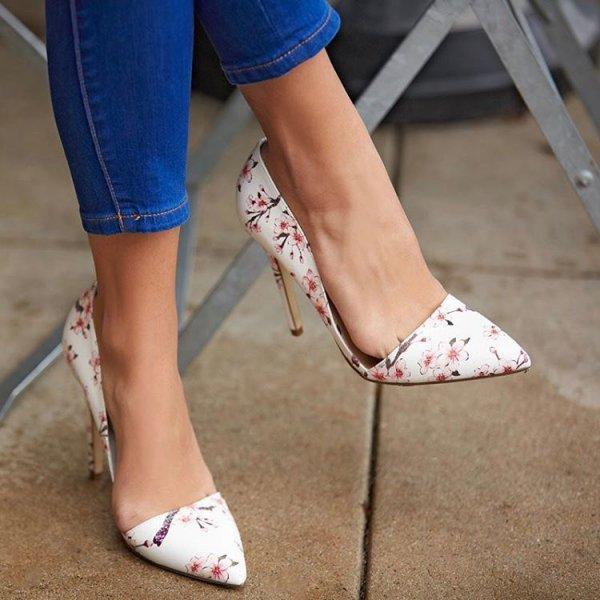 high heeled footwear, footwear, shoe, leg, spring,