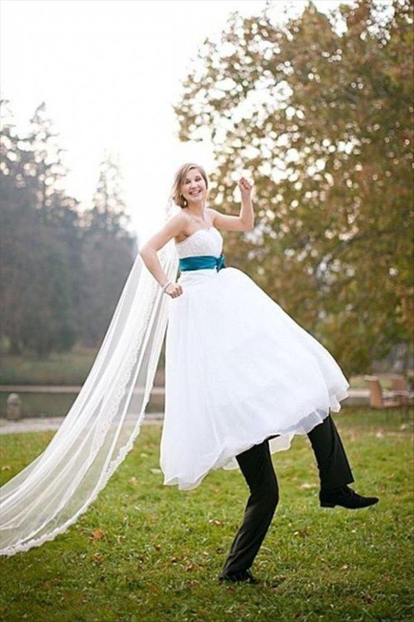 bride,woman,wedding dress,person,clothing,