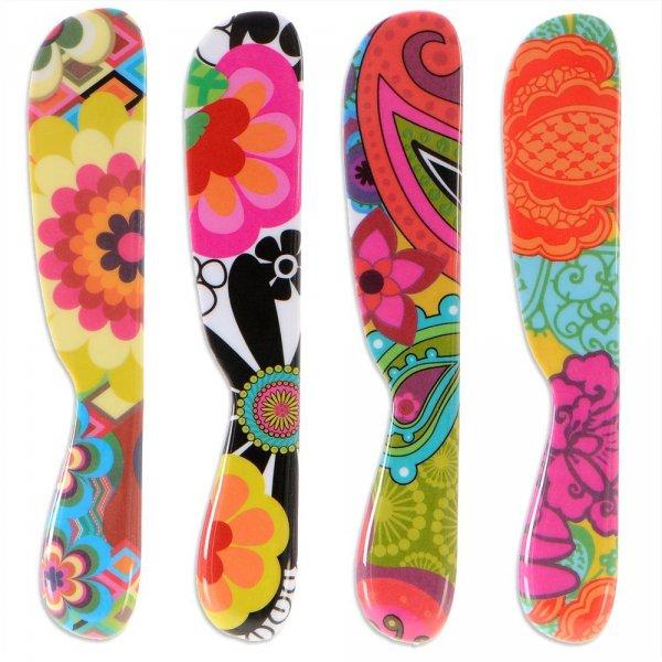 footwear, snowboard, shoe, arm, sports equipment,