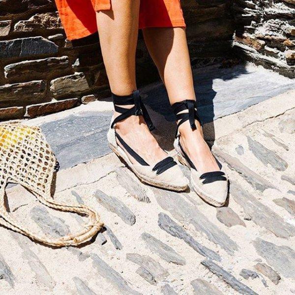 footwear, shoe, sandal, leg, high heeled footwear,