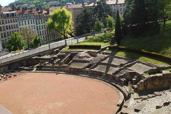 It Shows Its Roman History