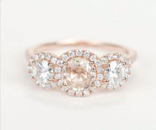 jewellery,fashion accessory,gemstone,diamond,petal,