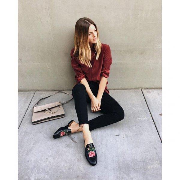 footwear, shoe, human positions, leg, sneakers,