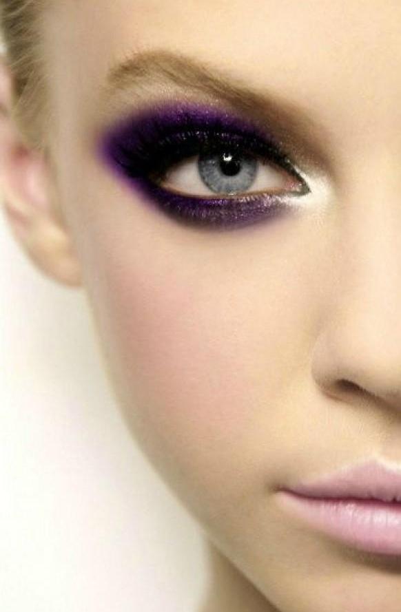 eyebrow,color,face,cheek,eye,