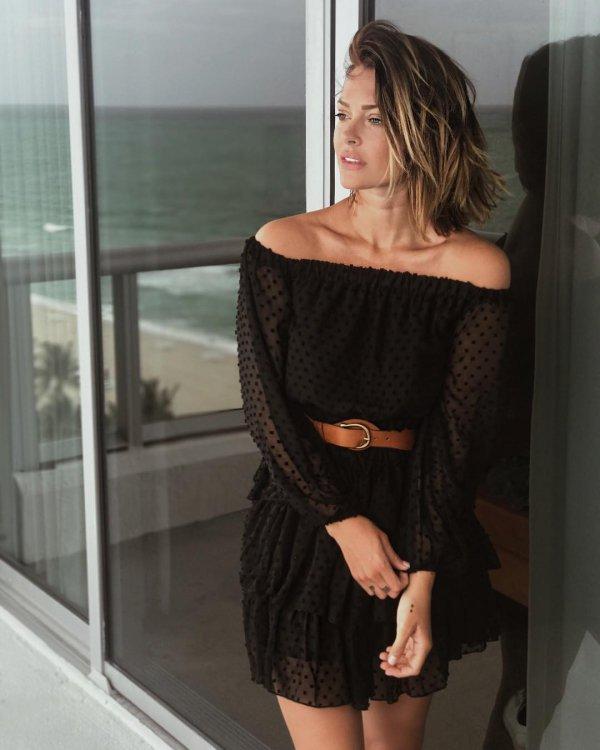 little black dress, fashion model, dress, shoulder, joint,