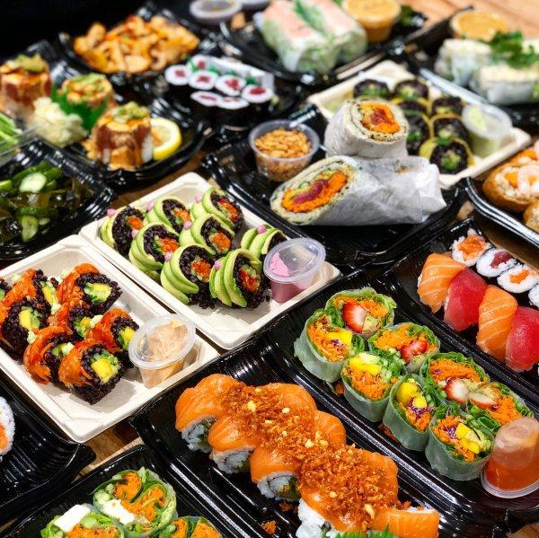 food, dish, gimbap, cuisine, meal,