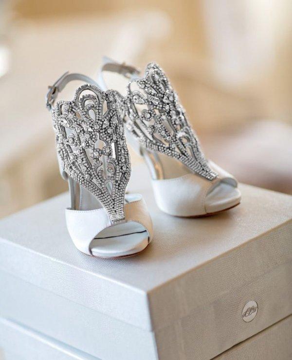footwear,white,shoe,leg,silver,