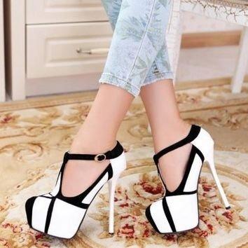 footwear,high heeled footwear,shoe,leg,spring,