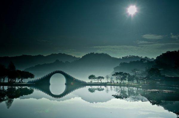 sky, reflection, nature, atmosphere, atmospheric phenomenon,