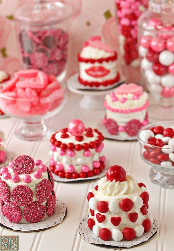 Valentine's Day Mini Cakes