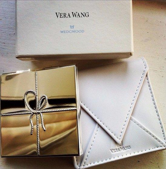 Vera Wang, fashion accessory, brand, leather, VERA,