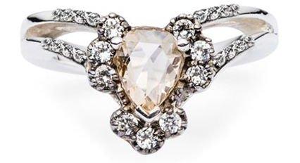 jewellery,ring,fashion accessory,diamond,platinum,
