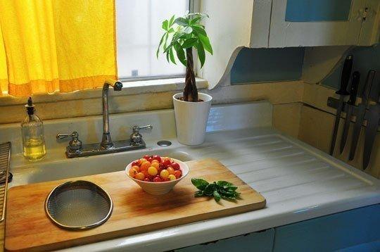 room,countertop,property,floor,sink,