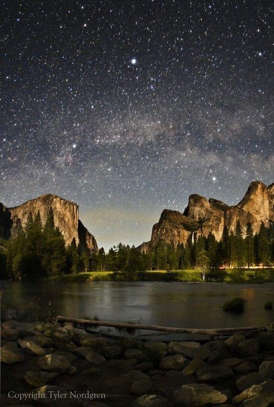 Yosemite National Park, Yosemite Valley,sky,night,astronomical object,reflection,
