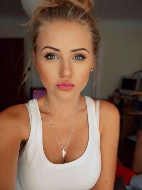 hair,eyebrow,face,person,cheek,