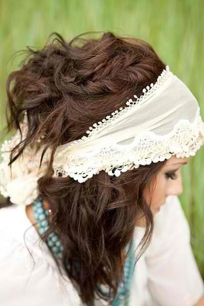 clothing,bridal accessory,fashion accessory,bridal veil,hairstyle,