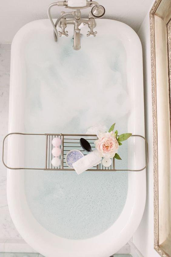 tap, plumbing fixture, toilet seat, toilet, bathroom,