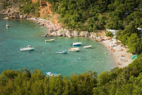 body of water, coast, nature reserve, coastal and oceanic landforms, sea,