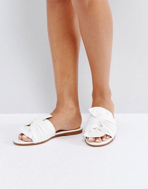 footwear, shoe, leg, high heeled footwear, toe,