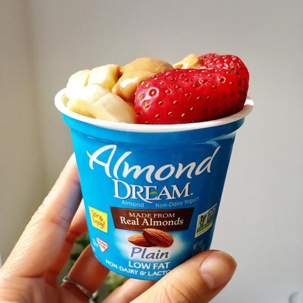 ice cream, frozen dessert, strawberry, dairy product, cream,