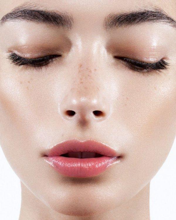 eyebrow,face,cheek,nose,lip,