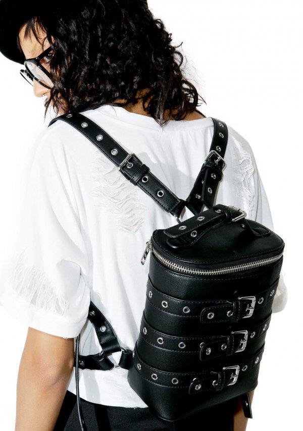 bag, black, handbag, clothing, sleeve,