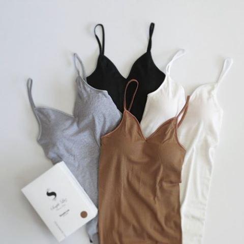 handbag, clothing, art, fashion accessory, tote bag,