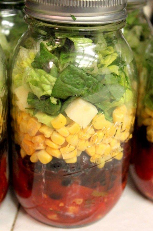 Chopped Southwestern Black Bean and Corn Mason Jar Salad