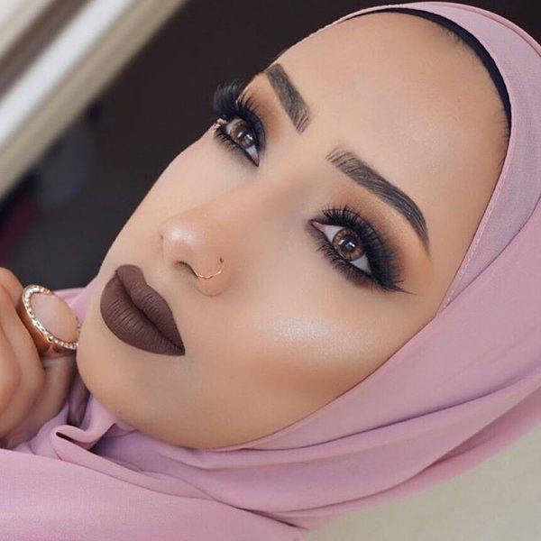 eyebrow,face,cheek,nose,eyelash,