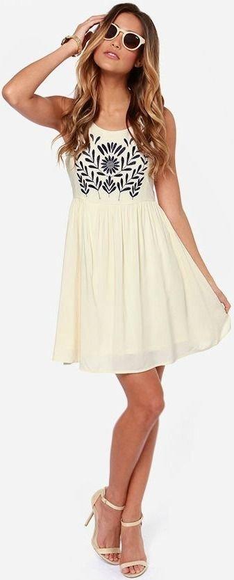 clothing,day dress,dress,cocktail dress,sleeve,