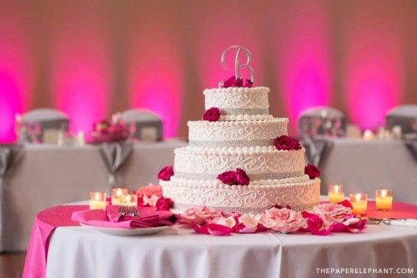 Perfect Valentine's Day Wedding Cake
