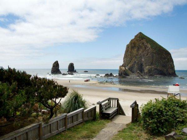 coast, promontory, coastal and oceanic landforms, bay, sky,