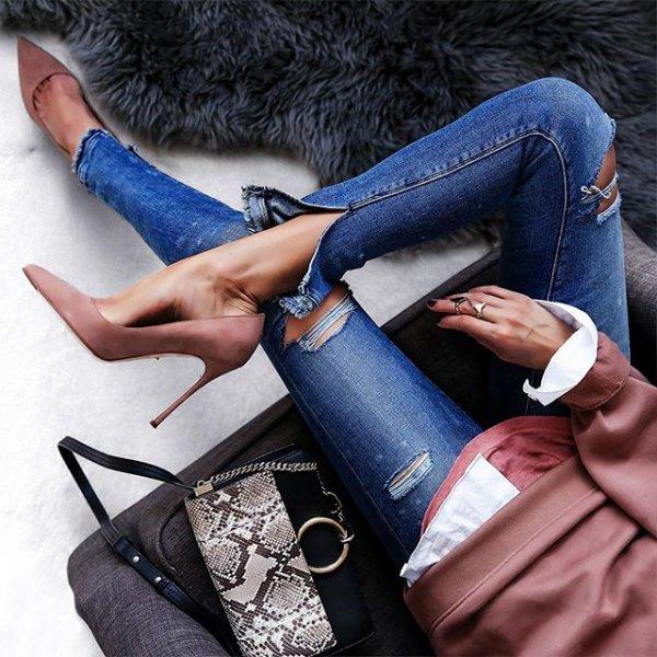 handbag, clothing, blue, bag, footwear,