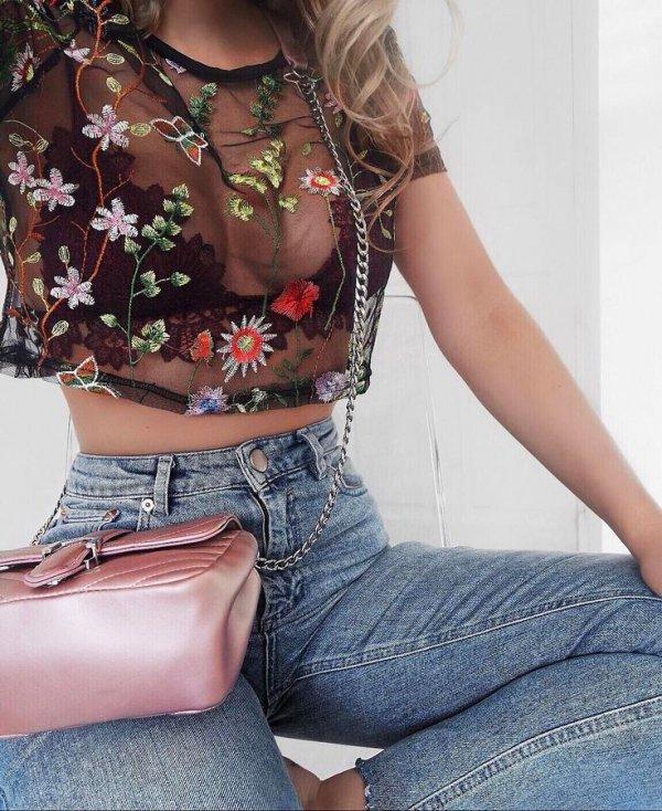 clothing, shoulder, sitting, leg, fashion,