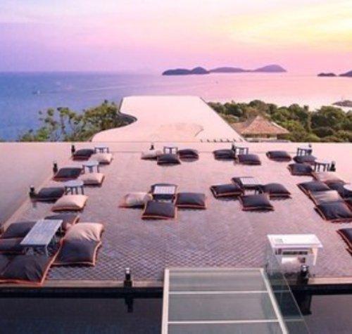 property, resort, real estate, horizon, sky,