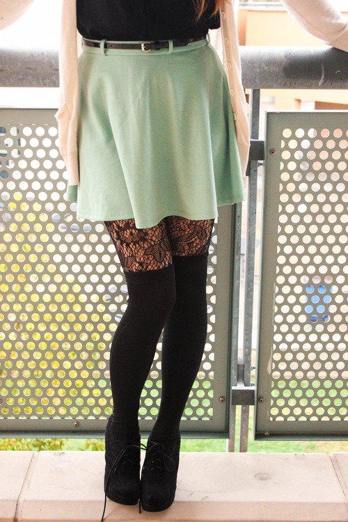 Taj Mahal,clothing,green,tights,footwear,
