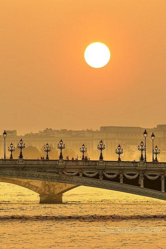 Pont Alexandre III,horizon,atmospheric phenomenon,sunrise,dawn,