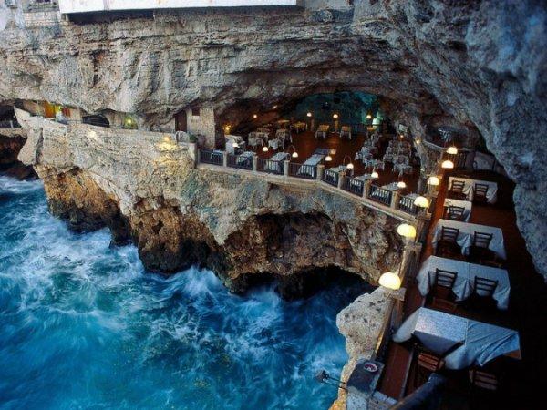 Ristorante Grotta Palazzese - Polignana a Mare, Italy
